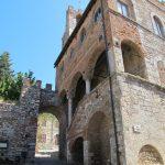 campeggio Vento Etrusco - Suvereto palazzo comunale